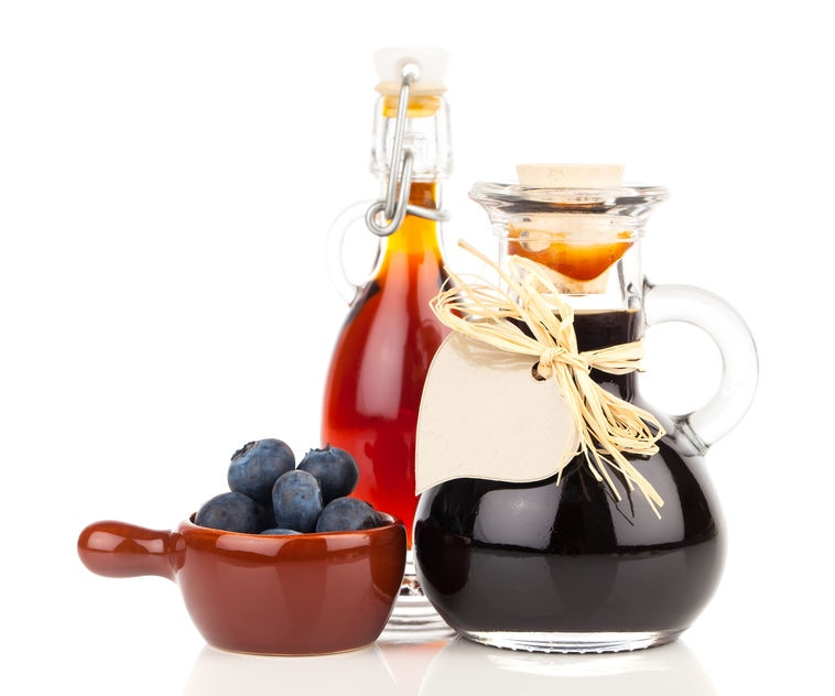 This photo demonstrates how easy it is to make delicious homemade syrups for use in cocktails and cooking. (© annete/123RF photo)